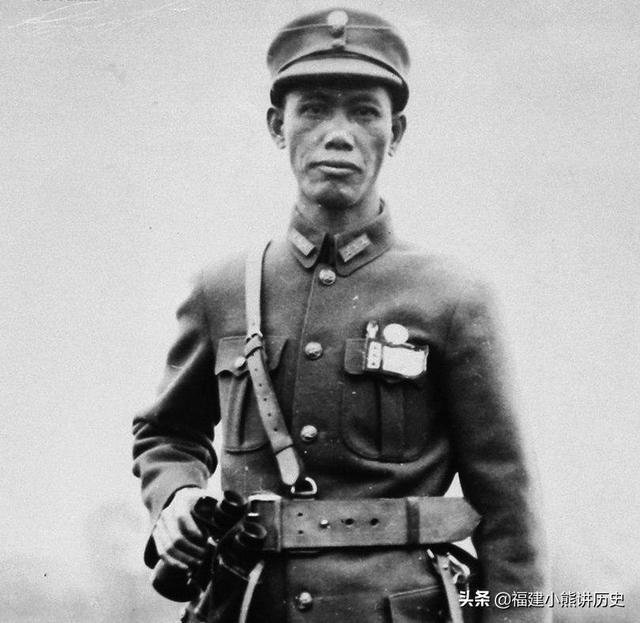 抗戰英雄,舅舅是蔡廷鍇,孫子是足球界的名將