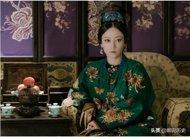 她當了10年婢女,一躍成為乾隆首位皇貴妃,死后卻被皇帝滅族