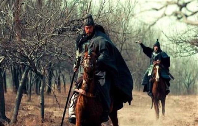 張飛因關羽降曹而追殺他,沒想到數十年后次子卻成了投降派