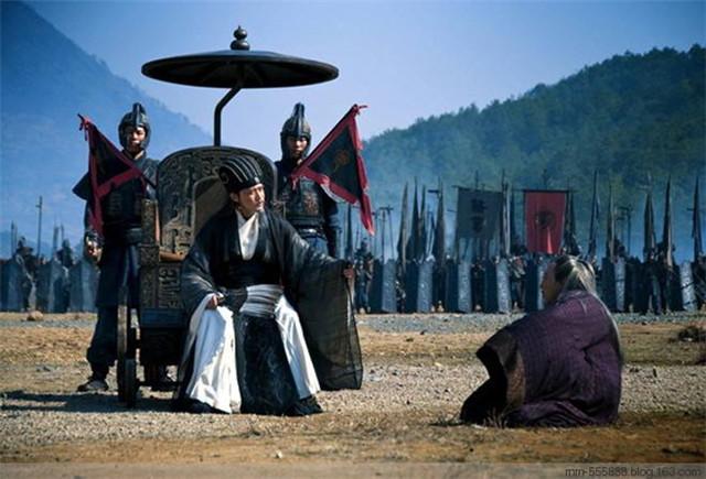 兩軍對壘,諸葛亮看到司馬懿陣營有個老者,長嘆一聲:我命休矣